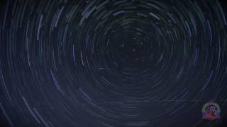 Nuit des Etoiles Filantes 2017 à Sartene en Corse en Timelapse avec trainées d'étoiles Circumpolaire