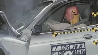 1997 BMW 5 series moderate overlap IIHS crash test
