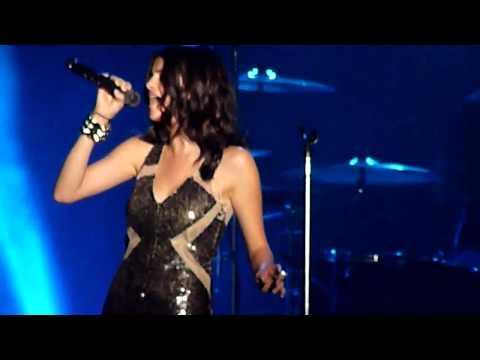 Selena Gomez & the Scene - A Year Without Rain (Musikfest, Philadelphia)