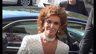 Sophia LOREN @ Paris July 4, 2017 Fashion Week show Armani / Juillet #PFW