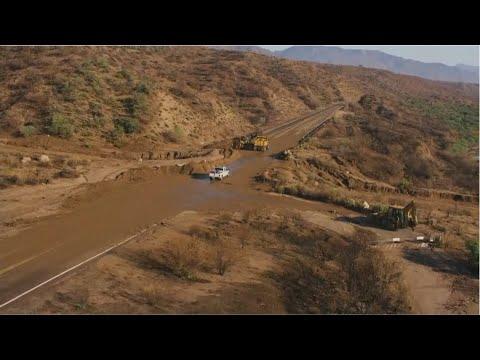 mudslide-closes-highway-near-roosevelt-lake