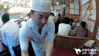 Sushi restaurant mercado Tokyo.