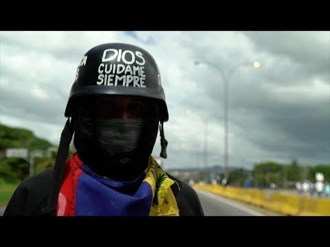 """""""La Resistencia"""" que protesta contra el gobierno de Venezuela - DOCUMENTAL BBC MUNDO"""