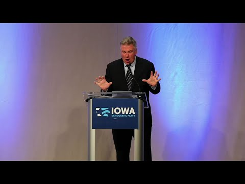 Baldwin Teaches 'Trump School' To Iowa Democrats