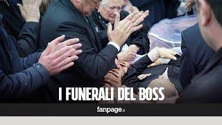 I funerali del boss delle cerimonie, le lacrime della moglie di Don Antonio Polese