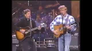 Bo and Luke Duke sings The Dukes of Hazzard theme song (1993)
