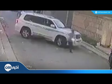 #هاشتاغ_خبر | ردة فعل سريعة لشاب هاجمه كلب شرس  - نشر قبل 5 ساعة