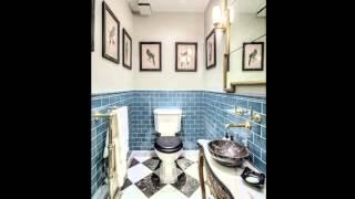 Синяя плитка для ванной в классическом стиле