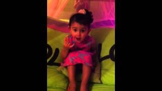 Nabila se fait clasher par une petite fille