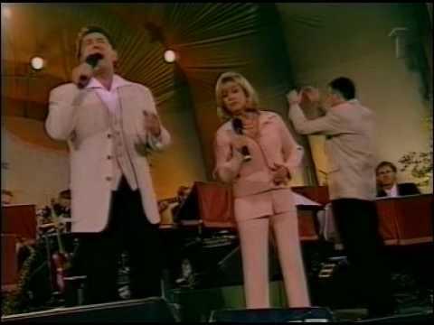 Tommy Körberg & Elaine Paige - Passing Strangers (Live Skansen 2000)
