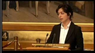 Hadia Tajik: Om minoritetsspråklige i skolen