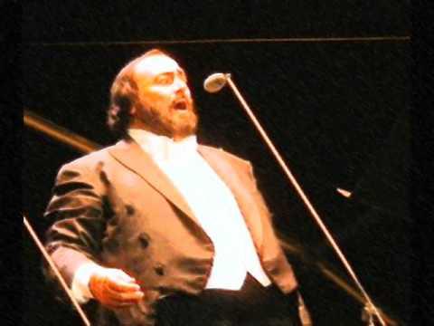 Nessun Dorma - Luciano Pavarotti (lyrics + translation)