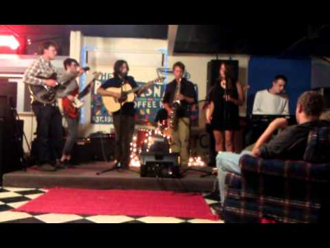 """Theio G and Duty-Free Live @ The Bandersnatch """"Ain't No Sunshine"""""""