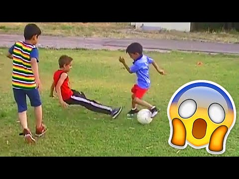 BEST SOCCER FOOTBALL VINES – GOALS, SKILLS, FAILS #25