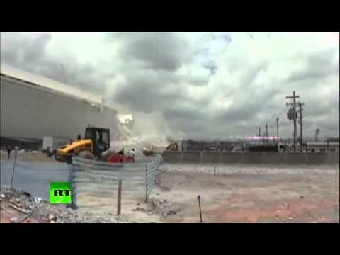 BEST NEWS : Dramatic video  Moment of crane collapse at World Cup 2014 arena in Brazil