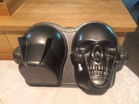Wilton 3d Skull Cake Pan For Halloween Youtube