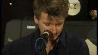 Neil Finn - Turn and Run