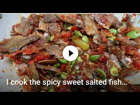 Aku masak ikan asin Sepat Balado