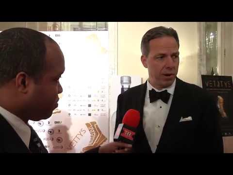 Dean on the Scene interviews Jake Tapper at the 2018 Vettys