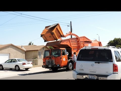 Waste Resources Diesel Autocar WXLL STS FL
