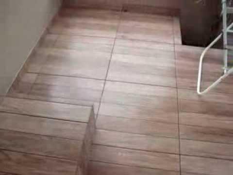 Jm reformas cvl ceramica estilo madeira youtube for Tipos de pisos para interiores