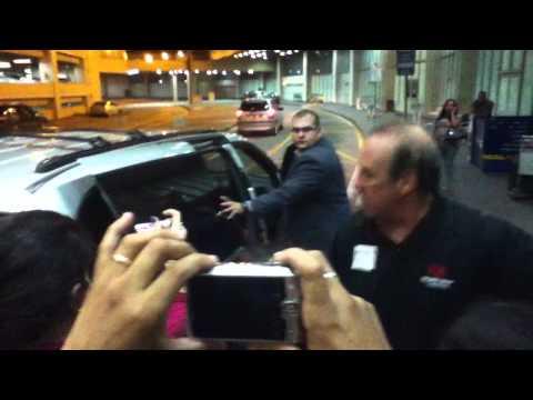 Beliebers waiting Justin Bieber at the airport 03-Oct-2011 RJ - Brazil 3
