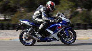 !!Suzuki GSXR 1000!! Loud Exhaust Sound (Motorcycle Stunt Riding)