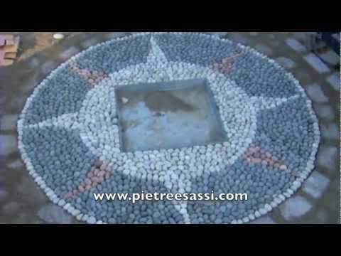 Pietreesassi mosaico in ciottoli per pavimento esterno youtube - Mosaico per esterno ...