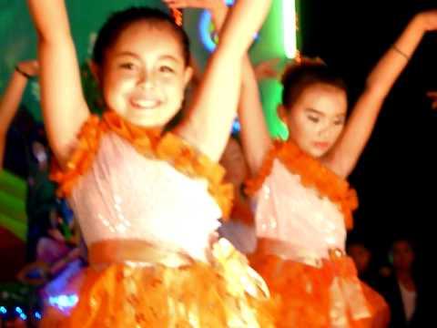 Quỳnh Như múa:Chắp cánh ước mơ.2.MOV