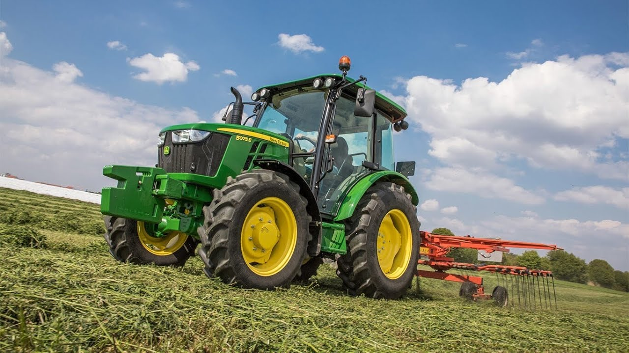 Theme song from Here Comes A Tractor   For kids and children who love John  Deere   Lyric Video