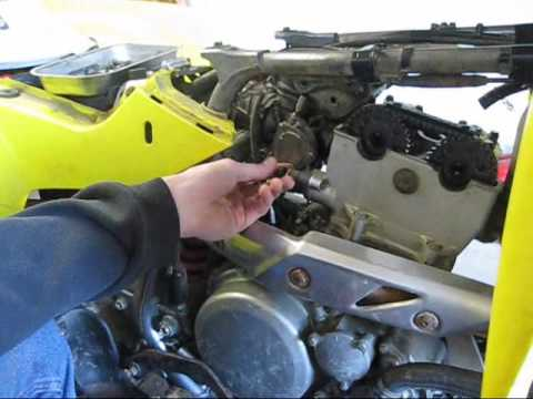 suzuki ltz 400 cylinder head removal - YouTube