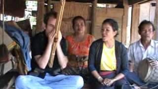 Lam Lao Ban Xork Morlum Latsamy ລໍາກ່ອມລູກ แคน Khaen by Jonny Olsen