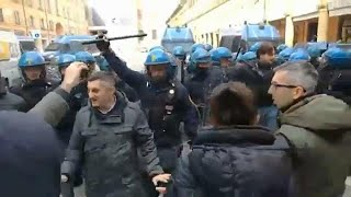 Violence erupts at anti-fascist rally in Bologna