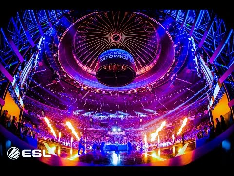 Hardwell LIVE at IEM Playing before the ESL CS:GO Grand Finale! (05/03/2017)