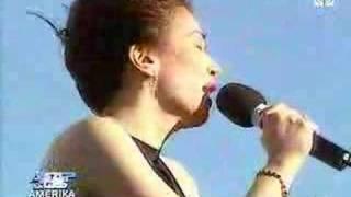 Kuh and Zsazsa performs Diva to Diva hits
