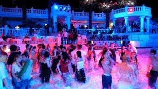 Куда поехать с компанией в Турцию? Молодежный отдых в Турции(Компании молодежи куда лучше поехать в Турцию? Тусовочные места Турции. Купить горящие туры в Турцию, Египе..., 2014-05-20T10:23:59.000Z)