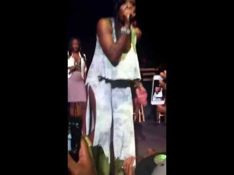 Fantasia Lose to Win performed in Charlotte w/ a surprise visit from Leandria Johnson