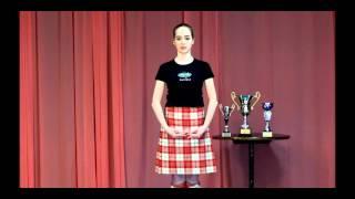 шотландские танцы: позиции рук и головы.(Танцевальный видео-блог Марии Зотько о технике исполнения сольных спортивных шотландских танцев. Позиции..., 2012-03-07T07:01:16.000Z)