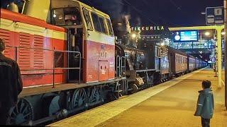 Höyryjunan siirtoajo / Steam train (transfer operation) passes Tikkurila railway station