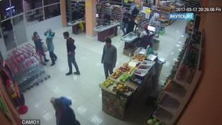 видео конфликта между мужребенком в ТЦ «Пирамида»