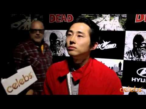 "Steven Yeun's ""Walking Dead"" Interview from Comic Con - a Celebs ..."