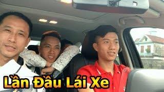Thử Thách Bóng Đá Phan Văn Đức ĐT Việt Nam lần đầu trổ tài lái xe ô Tô đưa Đỗ Kim Phúc về thăm nhà