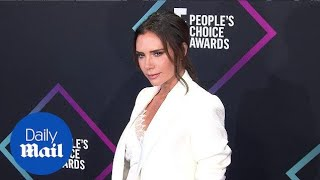 Victoria Beckham is all business at 2018 People's Choice Awards