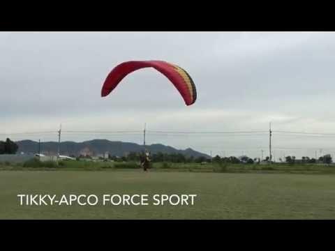 2พค.58 นักร่มบินกับร่มApcoบินกันที่สนาม บางแสน จ.ชลบุรี