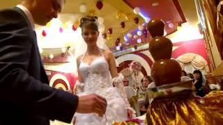 Шоколадный фонтан на свадьбе(Шоколадные фонтаны и фонтаны для напитков в Новосибирске на любые праздники: Свадьбы, Юбилеи, Корпоративы,..., 2013-05-01T08:55:14.000Z)