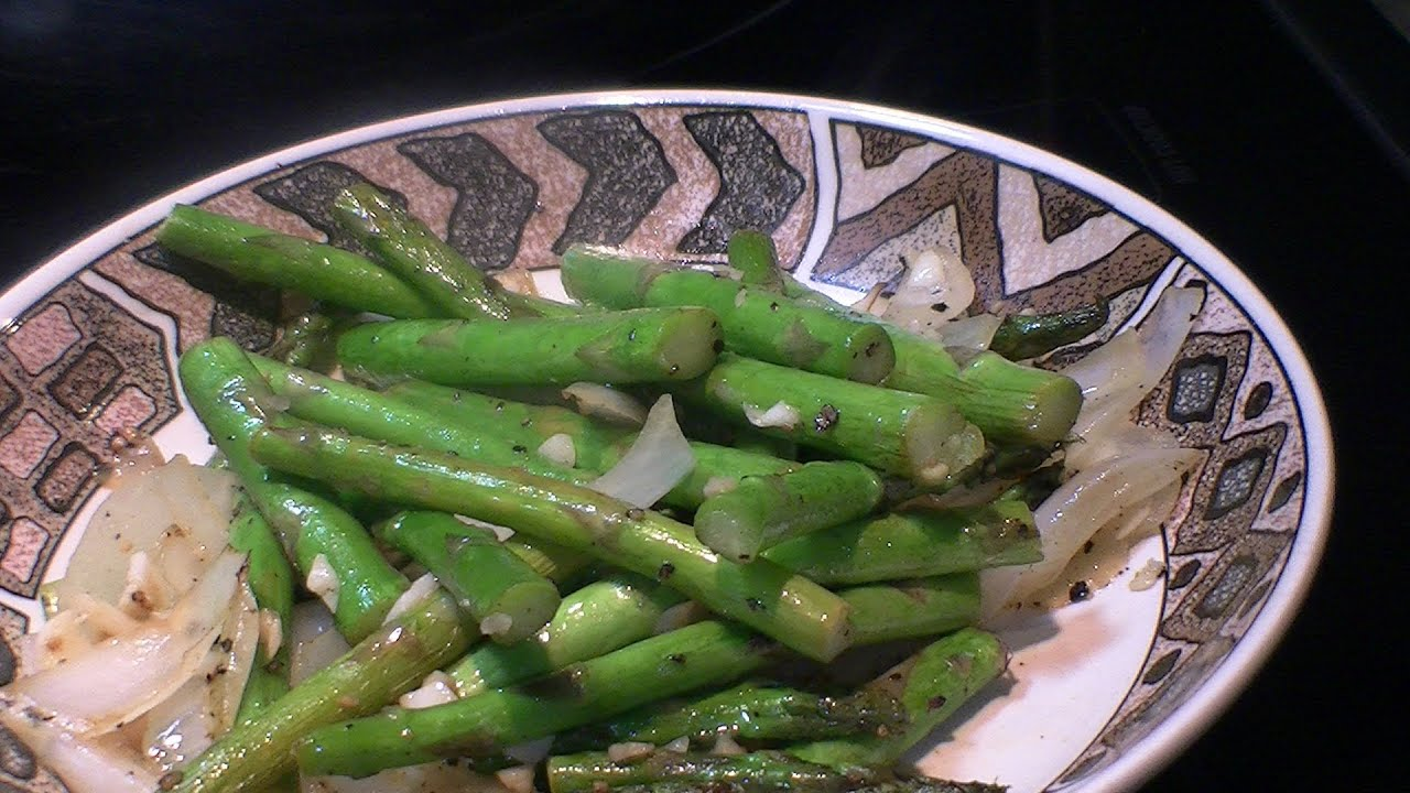 How to cook asparagus onion and garlic stir fry youtube how to cook asparagus onion and garlic stir fry ccuart Gallery
