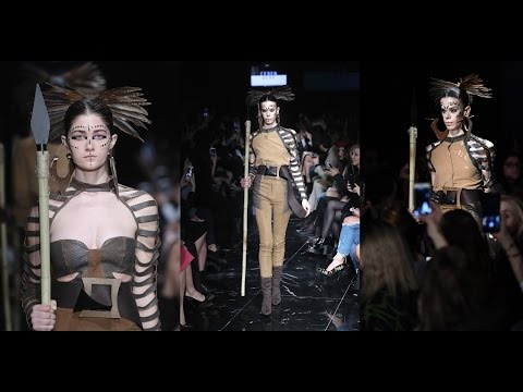 Istanbul Fashion Week Ceren Ocak, fashion show.