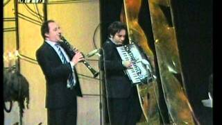 Download Grupa Fontana & Goce Arnaudov - Ke pijam ke lumpuvam.mpg MP3 song and Music Video