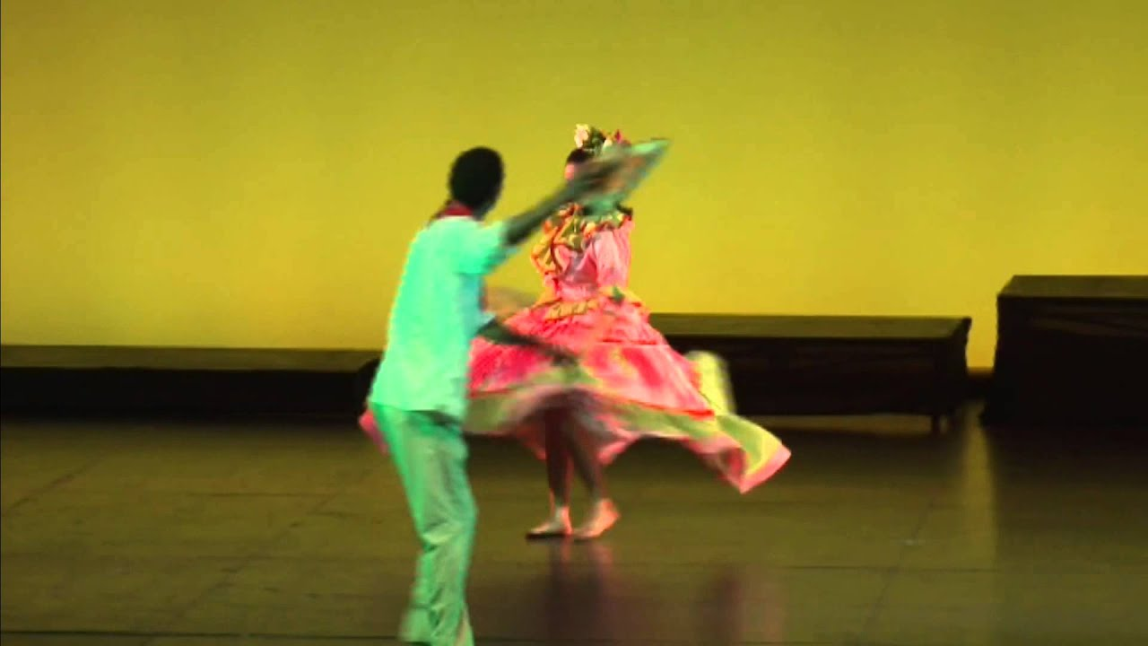 Muestra Latinoamericana de Baile Folclórico por Pareja