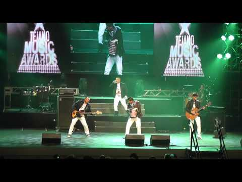 Jaime y Los Chamacos Live Tejano Music Awards 2014